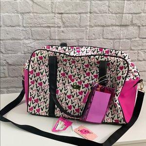 large heart duffel bag 💗